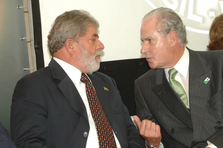 Luis Inácio Lula da Silva and Mario Garnero in 2008.